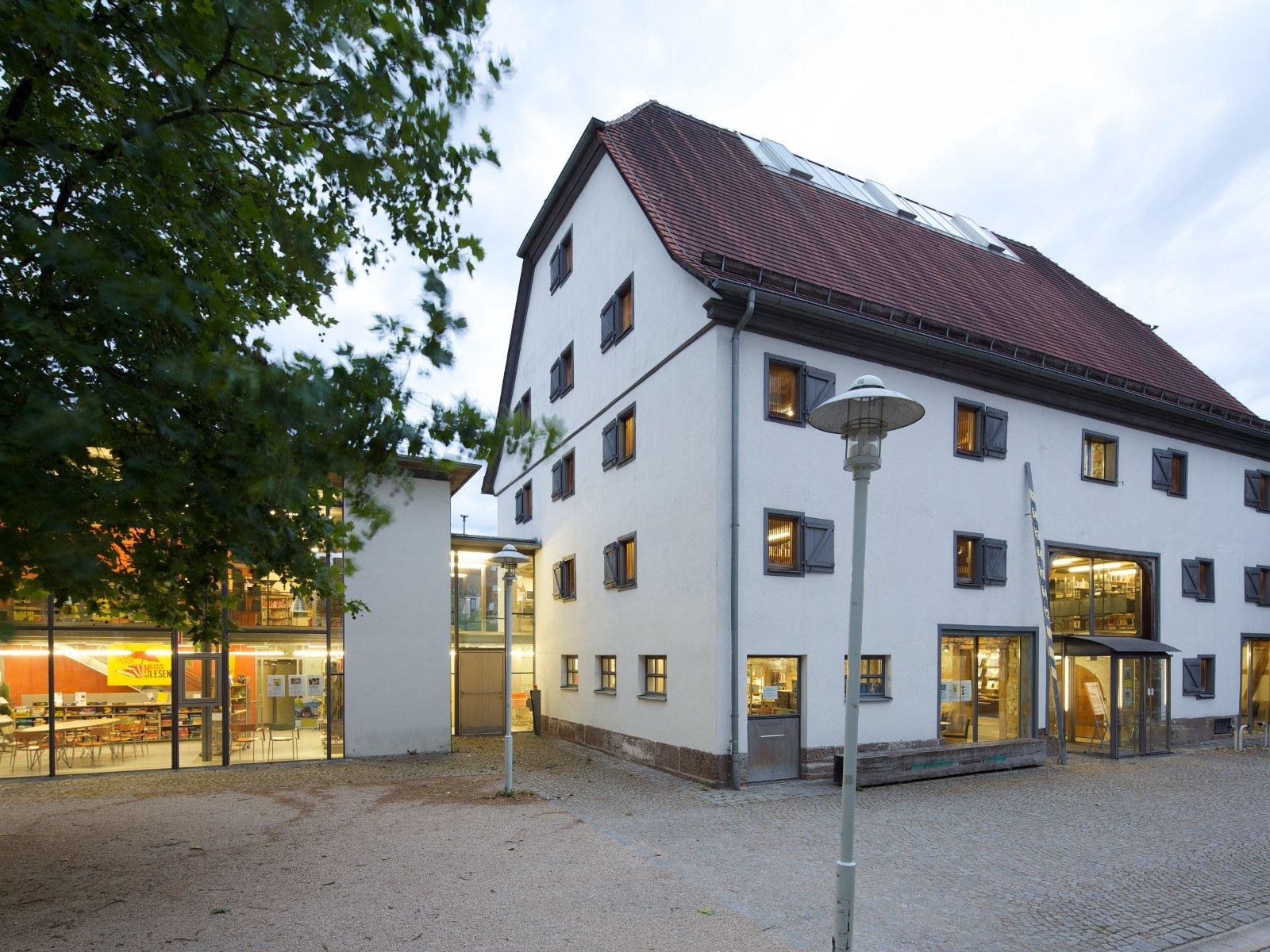 Stadtbilbiothek im Kulturzentrum Hofscheuer