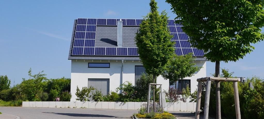 Haus mit Photovoltaikanlage