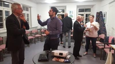 HEBT'S Workshop - Islam einfach fragen - Referent Zakaria Oulabi im Gespräch mit Teilnehmern