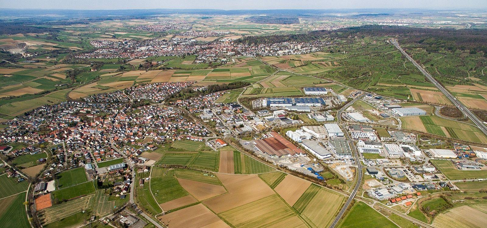 Luftaufnahme Gültstein und Gewerbegebiet Gültstein