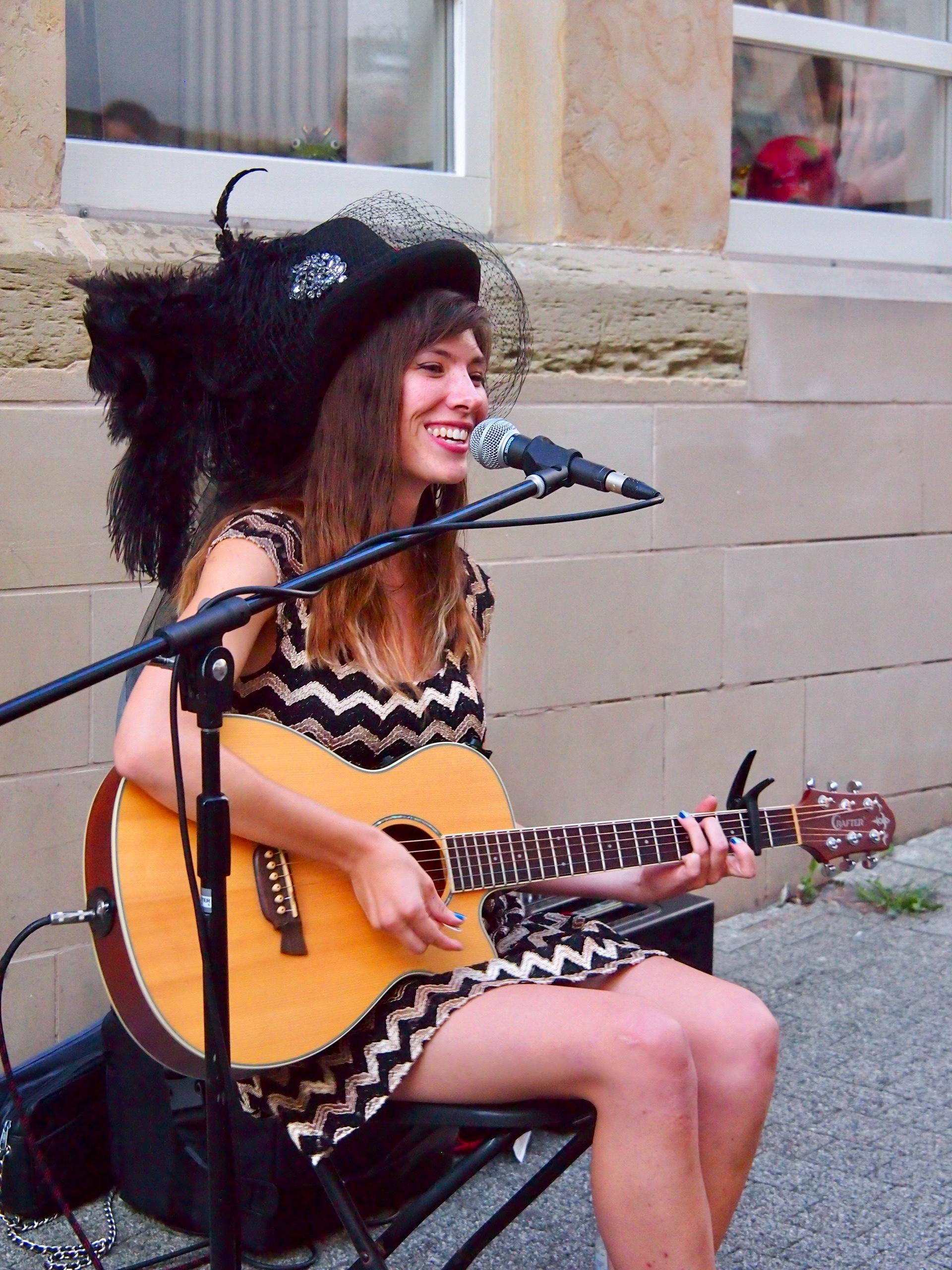 Musikerinnen und Musiker können sich ab sofort für das Straßenmusikfestival 2019 bewerben.