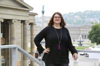Mit Humor und Pragmatismus gibt Manuela Rukavina beim Frauenwirtschaftstag Tipps, um den persönlichen Akku aufzuladen. Bild: Duncan Smith