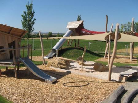 Bild vom Spielplatz Unten im Dorf