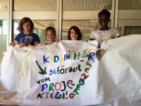 Kinder bedanken sich beim Projektepool