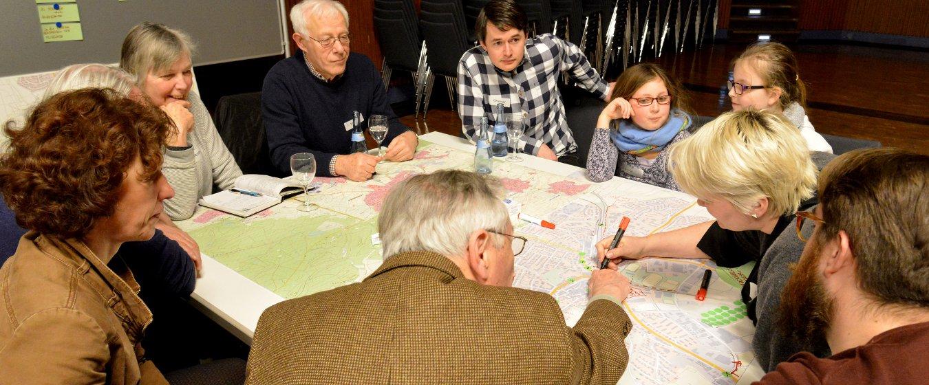 Konzentrierte Atmosphäre beim Planungscafé zur Mobilität in Herrenberg