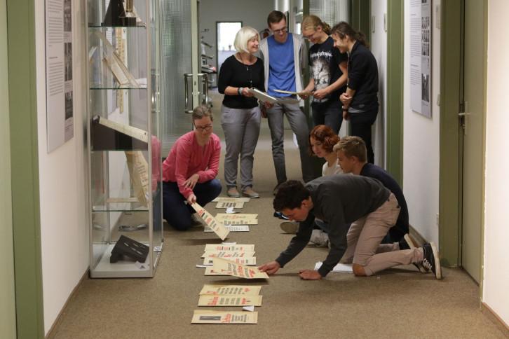 AGH-Schüler forschen zu NS-Zeit im Stadtarchiv