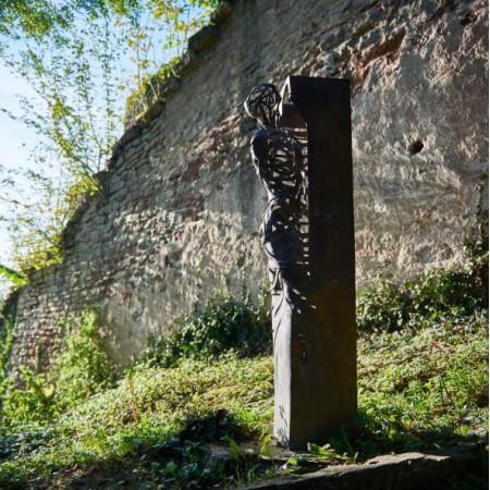 Skulptur Ratgebs Frau von M. Fischer