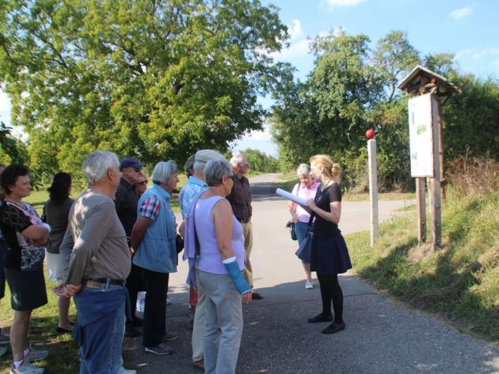 Interkultureller Literatur-Spatziergang über den Gülsteiner Streuobstweg