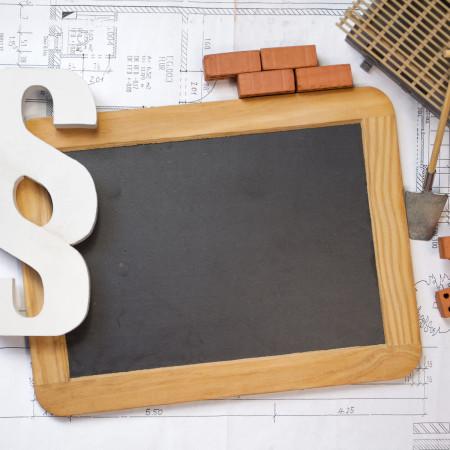 Symbolbild Paragrafen und Bau