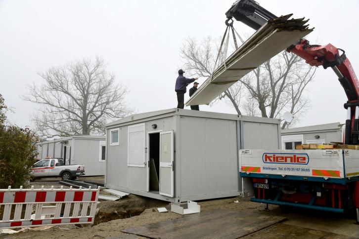 Aufbau von Flüchtlingsunterkünften in Herrenberg