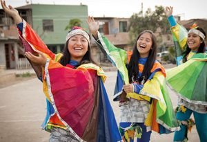 PeruanerInnen beim Tanz